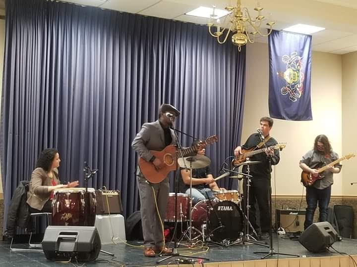 Emmanuel Nsingani & sa bande